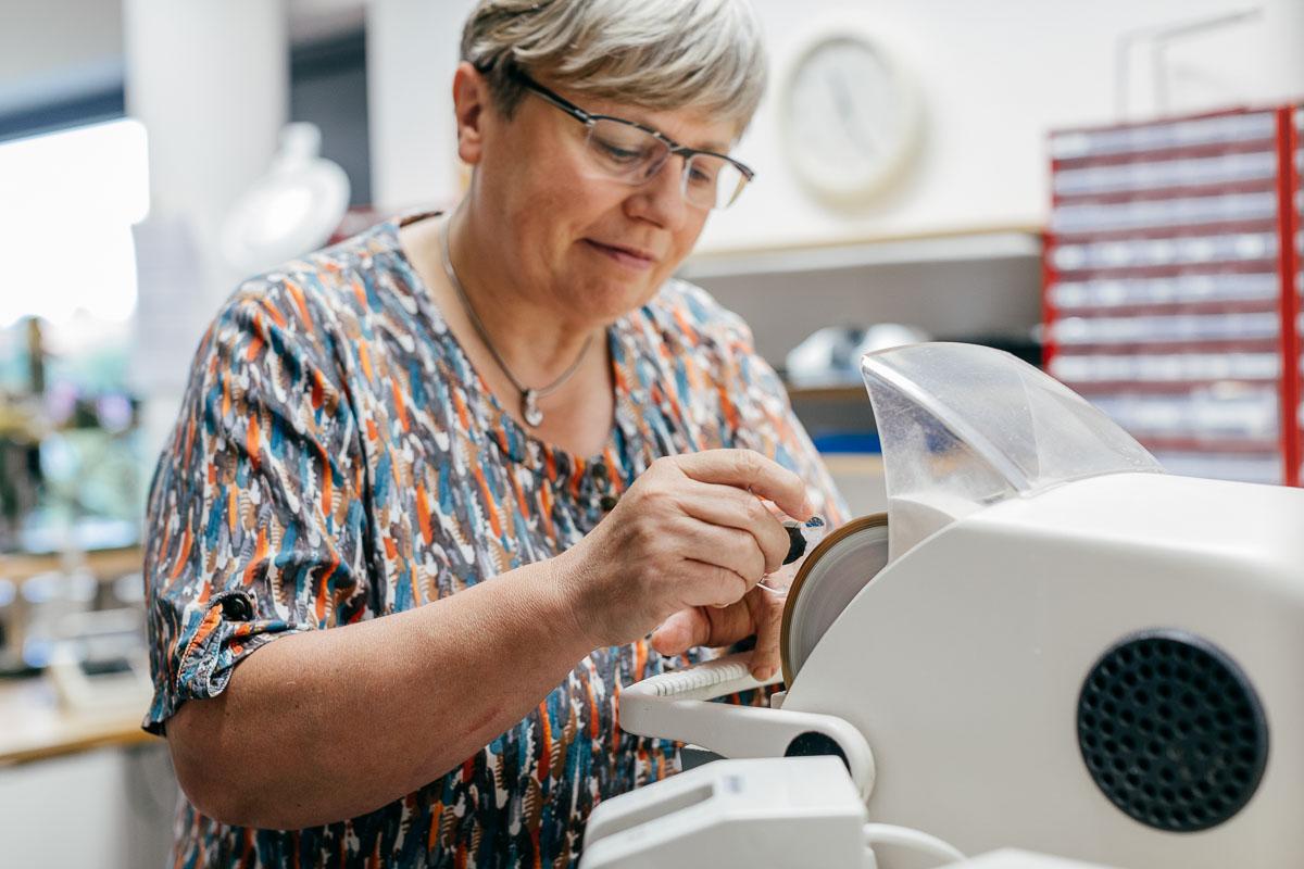 Reparatur und Anpassung von Brillen in Dresden